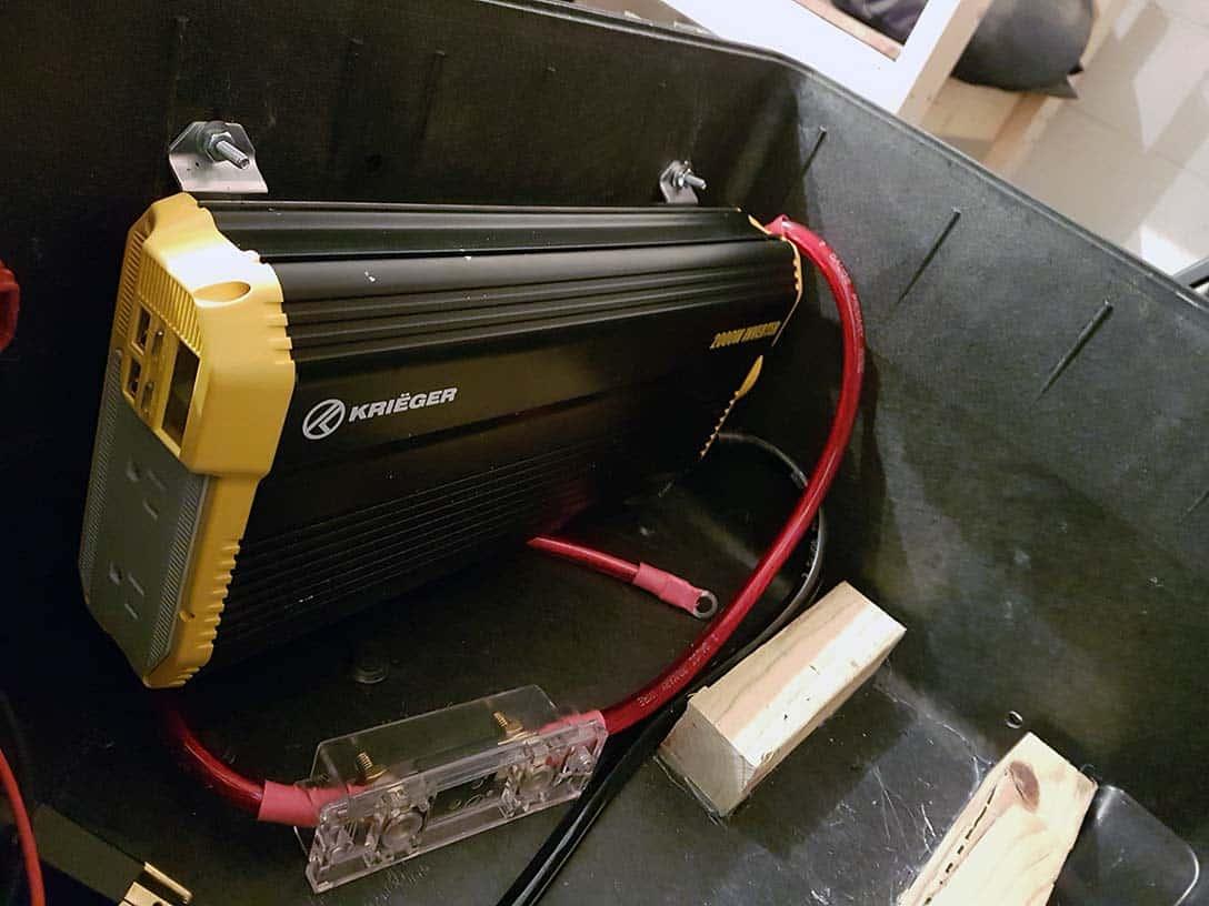 large-solar-generator-mounting-inverter