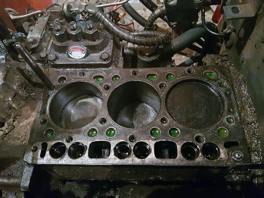 Kubota B20 Engine Head Removed